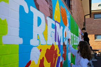 Outdoor mural at Tremont Elementary 'truly a community effort'