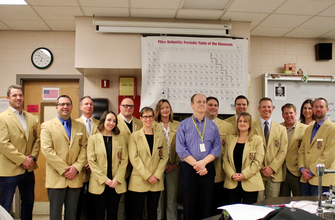 another photo of lampe, this one with the golden apple staff